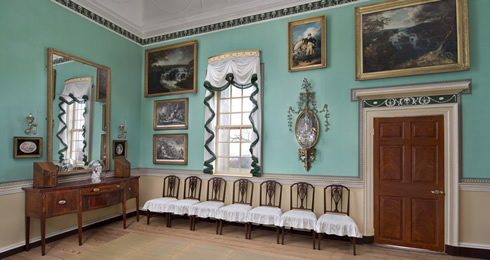 Mount Vernon room with Treenway Silks braid trim